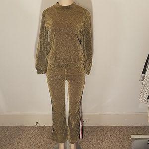 Other - Golden 2 pieces sweatpants & sweatshirts size M